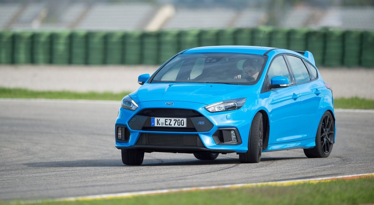 Ford-Focus_RS-2016-Glisse