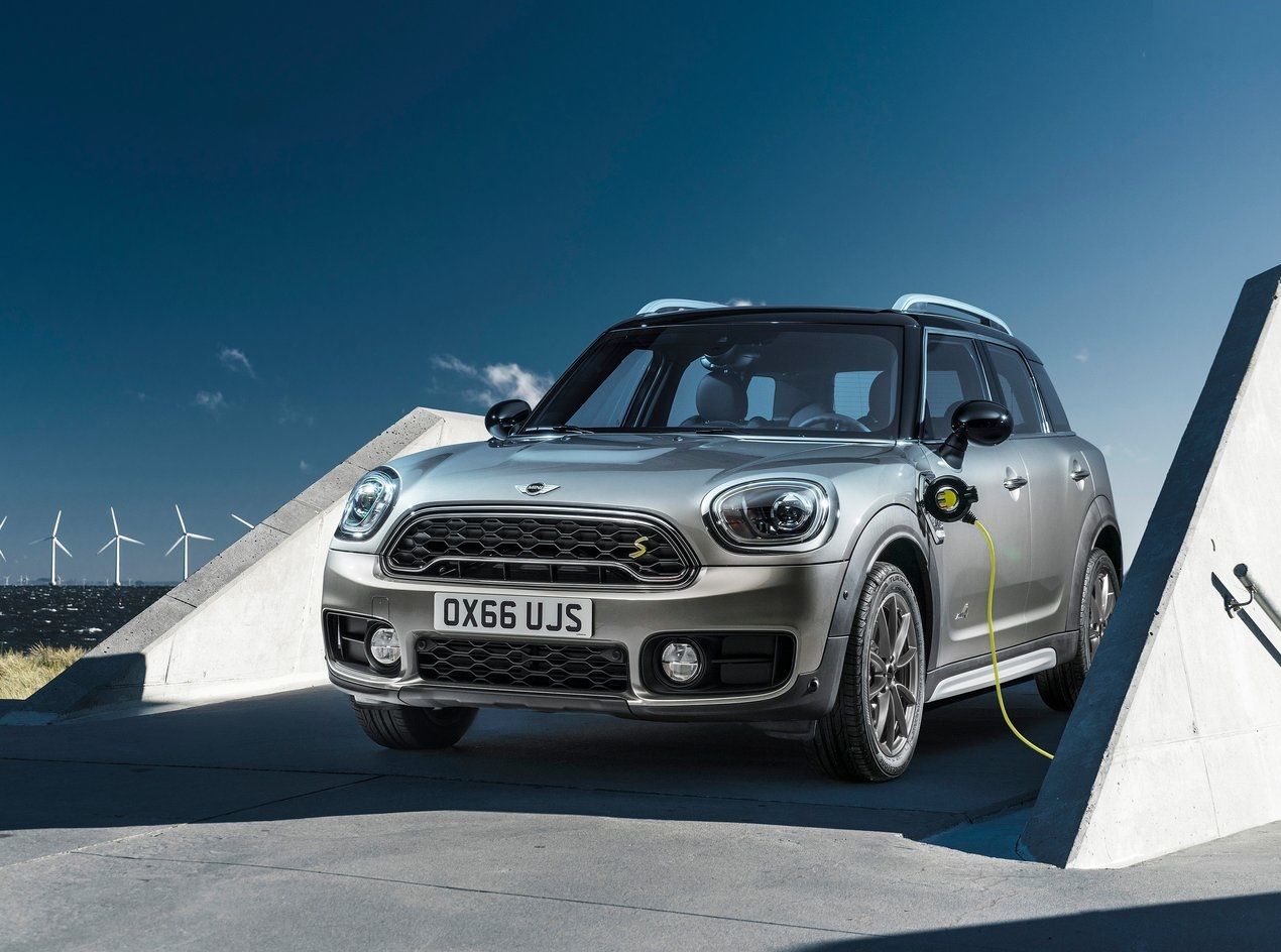 mini-countryman-plug-in