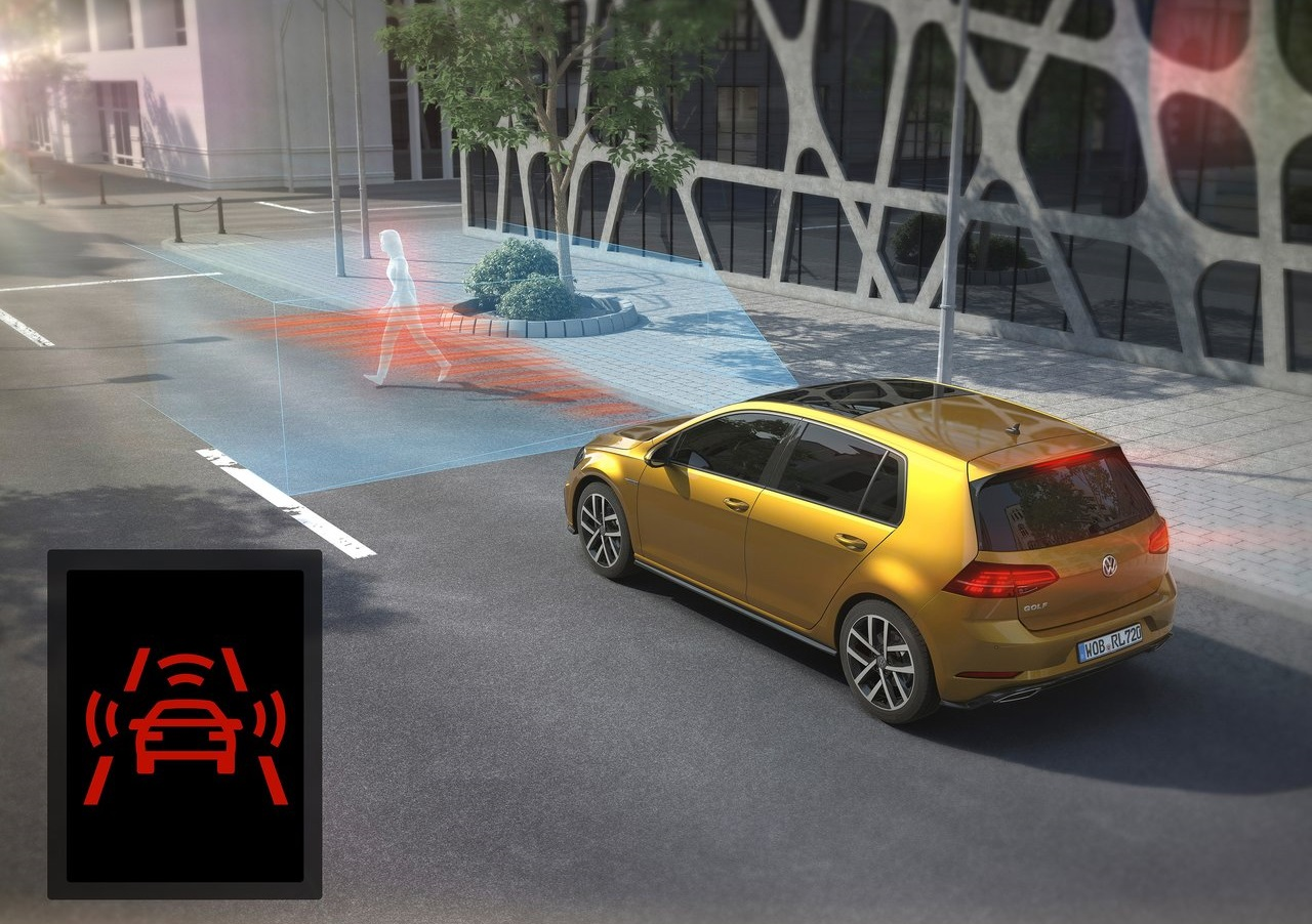 vw-golf-2017-front-assist-and-city-emergency-braking